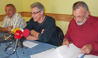 Juan Pedro Martínez, Manuel Rey y Germán Valcárcel presentan el estudio / Foto BierzoDiario.com