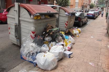 Contenedores en el barrio de la Estación de Ponferrada / BierzoDiario