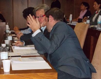 Los bercianistas Pedro Muñoz e Iván Alonso, en un pleno de Ponferrada / BierzoDiario