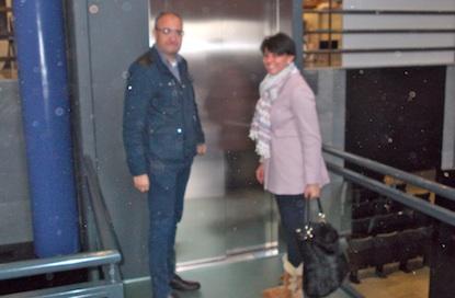 Ramón y Luna, junto al ascensor de la casa consistorial / BierzoDiario