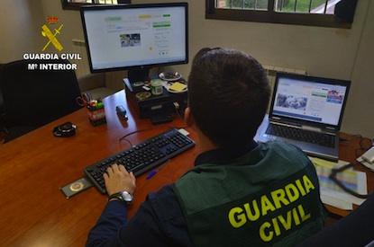 Tres detenidos y dos investigados en Ponferrada por estafas a través de Internet