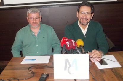 César López, número 3 de Municipalistas, y Plácido Martínez / BierzoDiario